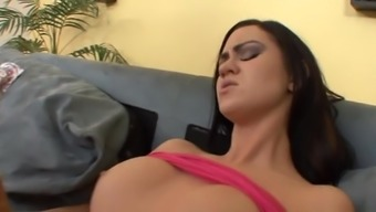 Seduced By a Very Sexy Mature Woman.