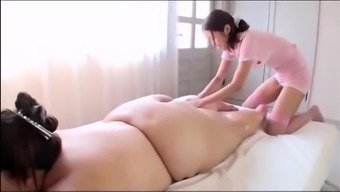 Japanese BBW's Sexy Massage