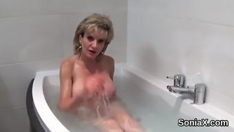 Unfaithful british mature lady sonia flaunts her huge boobie