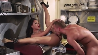 Naughty bridesmaid gets nailed in the kitchen sink