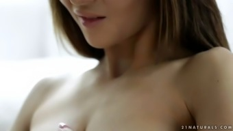 lusty angel alexis brill diddles her muffin