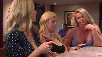 Maya Kendrick fucked by insatiable blonde lesbian Phoenix Marie