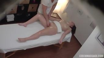 Curvy Czech slut fucks with horny masseuse on table