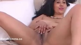Indian Mumbai horny housewife spreading legs