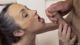 Skinny experienced housewife gladly rides the cock once again