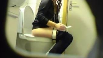 Chubby amateur teen toilet pussy ass hidden spy cam voyeur