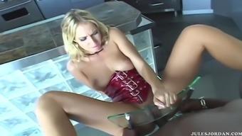 Sophie evans fucks lexington steele