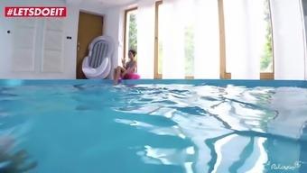 Underwater Sex Session with Beautiful Ukrainian Inga Devil