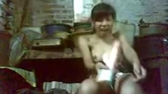 Indonesian hot girl fucked her pussy