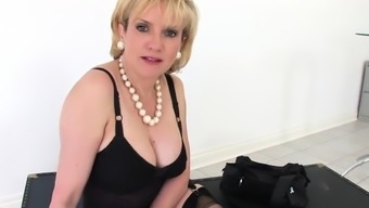 Unfaithful british mature lady sonia flashes her large boobi
