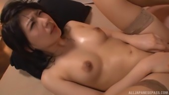 Smoking hot Hasegawa Nana makes a cock disappear in her hairy cunt
