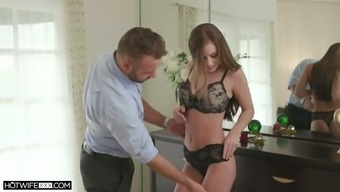 Turned on after awesome cuni sexy hottie Whitney Westgate rides sloppy cock