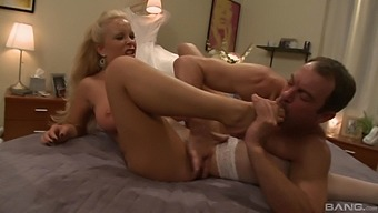 After fingering and pussy eating Jessica Moore wants to jump on a dick