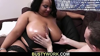 Guy fucks megaboobs ebony plumper from behind