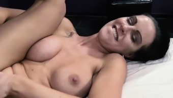 HITZEFREI German MILF Texas Patti in an anal threesome