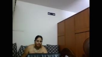 Webcam Aunty Changing