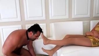 Hot pornstar foot fetish with orgasm