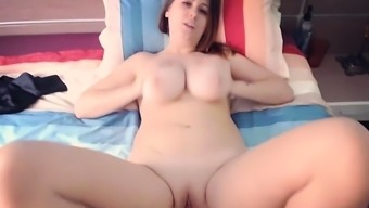 Natural tits mom fetish and cumshot
