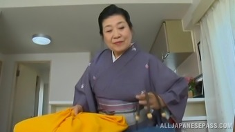 Appealing Asian milf getting her pussy sucked and drilled
