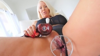 Top milf treats her pink pussy with lust