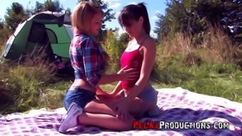 Obsessed with sex babe Lea Queen seduces lesbian girlfriend on a picnic
