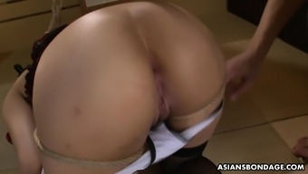 Submissive slut got a lesson in toy insertion