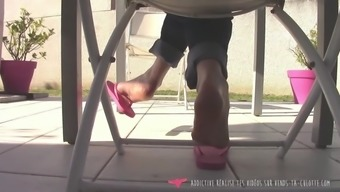 Flip flop foot fetish milf dangling vendstaculotte