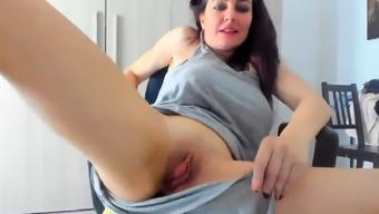 Loads Of Cum Squirting From My Cunt