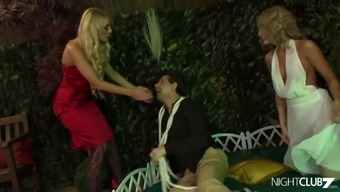 Lucky guy having foursome with stunning babes