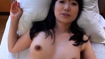 Mindblowing blow job from a sexy mature japanese chick
