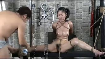 Chinese model yingzi bondage shoot bts