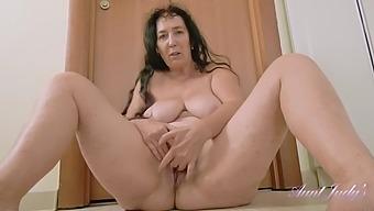Aunty esmerelda 2