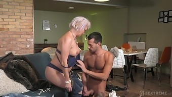 Dirty mature land lady Elvira is still rather good at riding strong cock