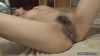 Young housekeeper Yui Misaki is fucked and cremapied right on the floor