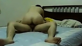 Amateur Chinese MILF