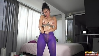 Bubble butt girlfriend Canela Skin drops her clothes to masturbate