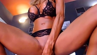 Hot Clara Mylers destroys her pussy and ass with big dildos