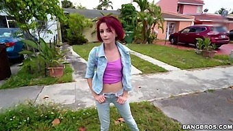 Quickie fucking between a large dick guy and skinny redhead Lola Fae